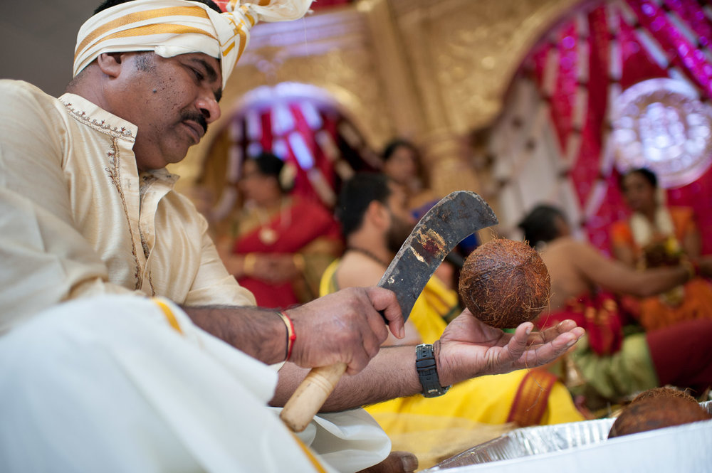 Rituals are performed during a Hindu wedding ceremony.