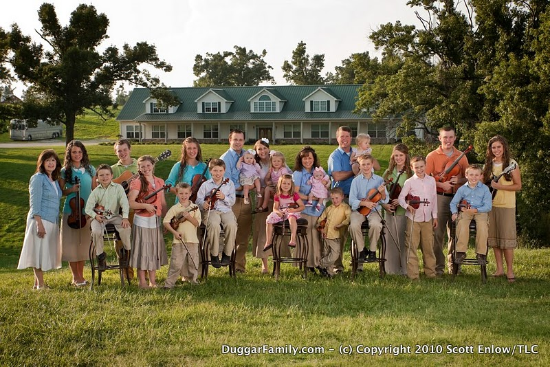The Duggar Family. Photo from Duggarfamily.com, by Scott Enlow/TLC