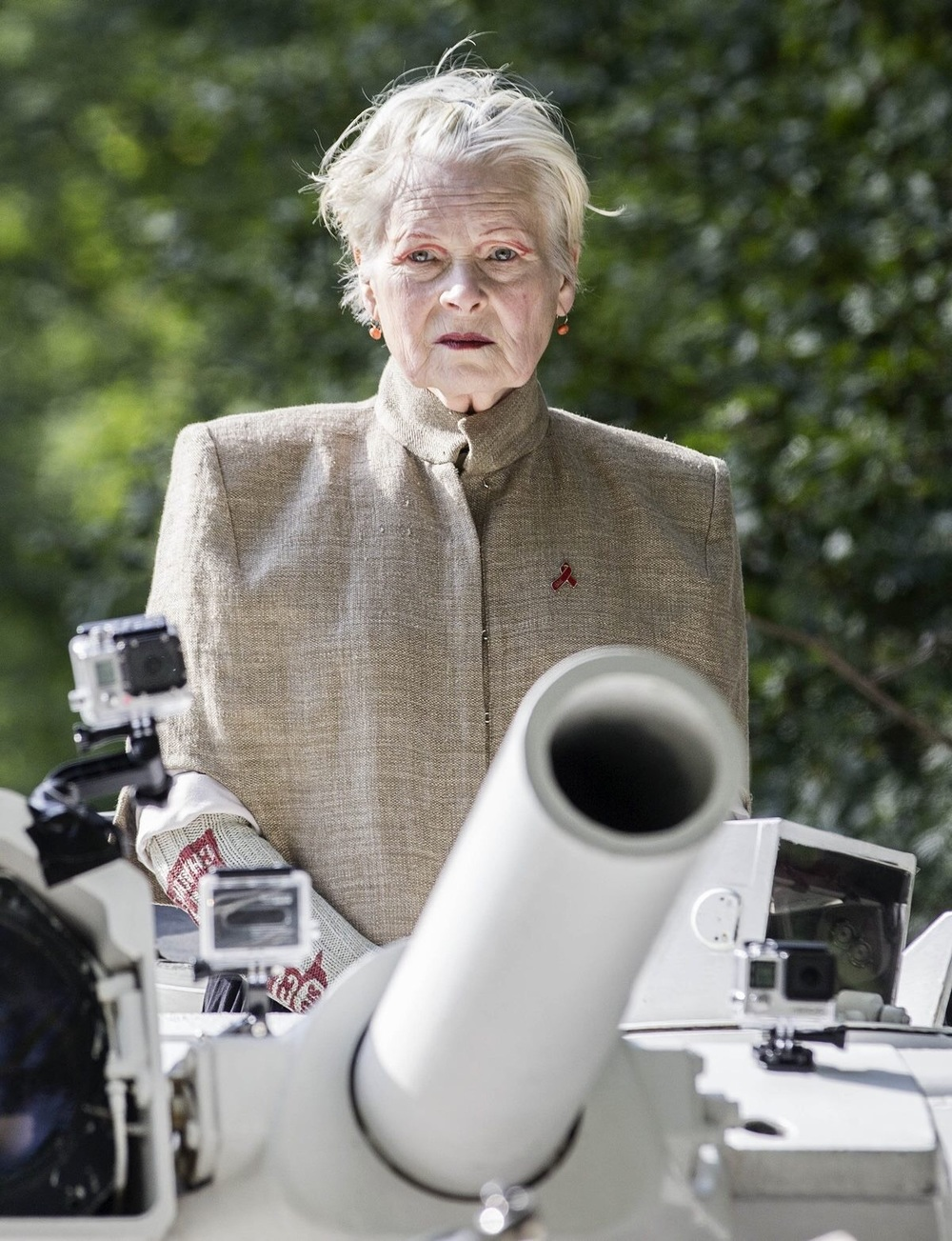 Dame Vivienne Westwood, 74, heading to David Cameron's house, in  a tank, in anti-fracking protest. September 11th, 2015. Photo Leon Neal.