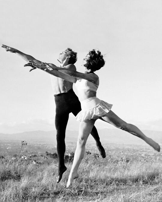 James Dean, ballet dancer, photo by Frank Worth, 1954