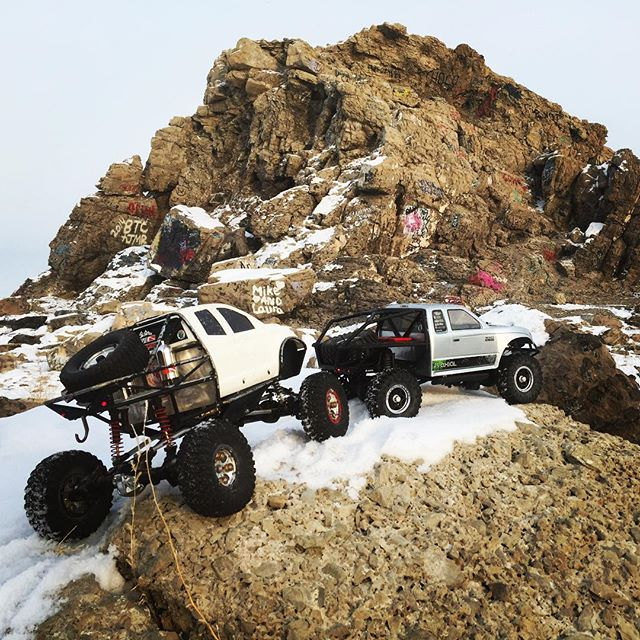 A little rc rock crawling at Blackrock. #rc #utah