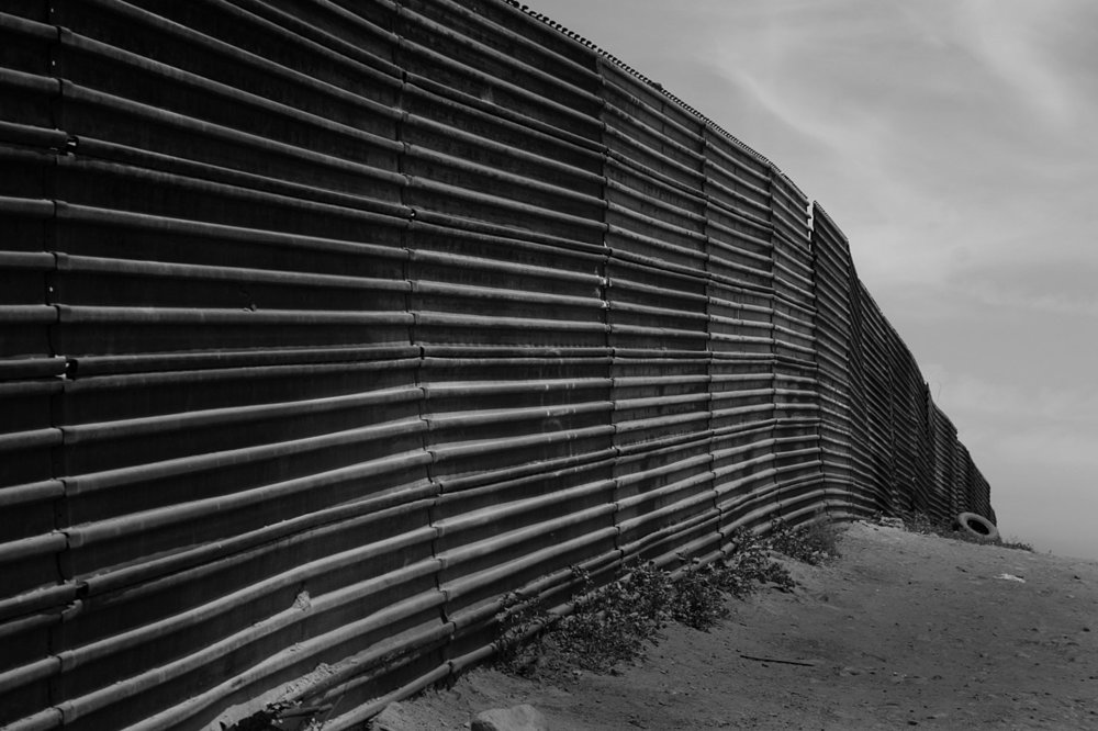 Us-mexico_border_at_Tijuana.jpg