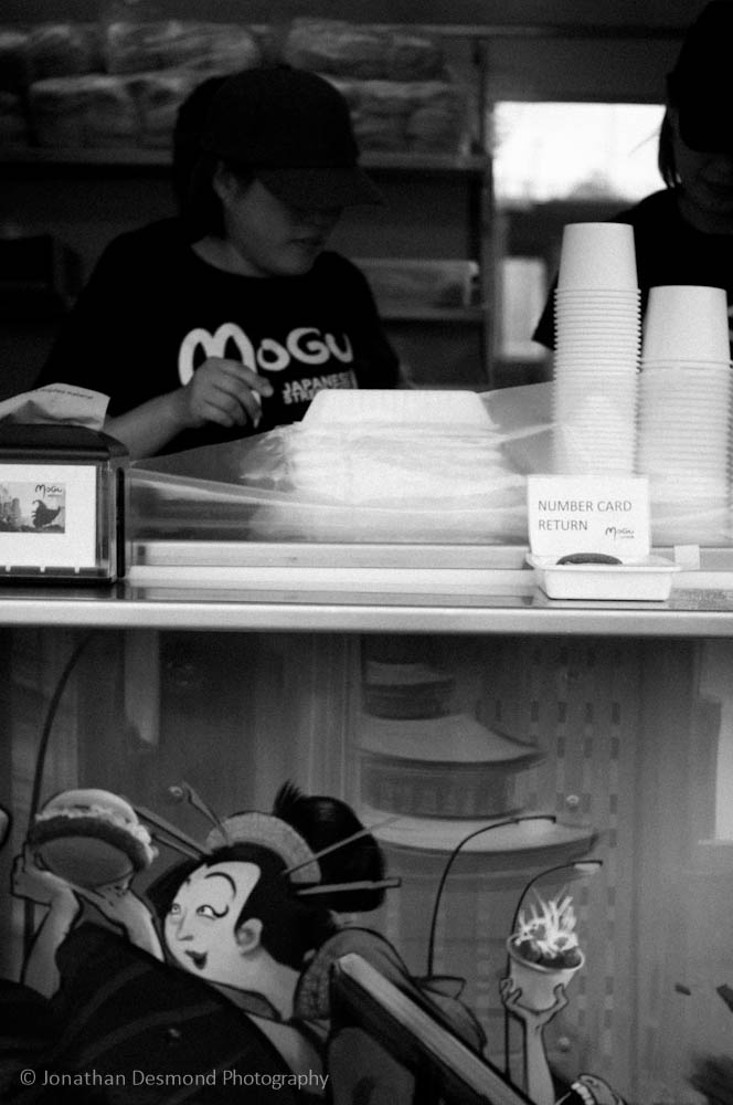 Mogu is my wife's favorite food cart. We love their fried chicken and sauce. It's so good!