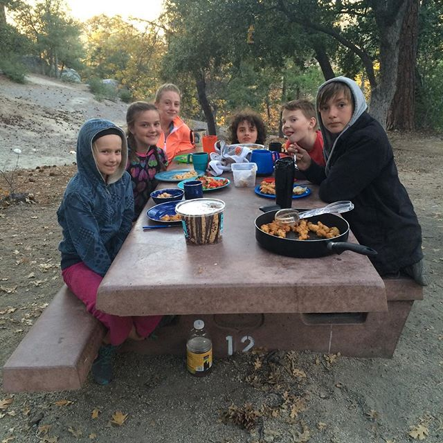 """The (camping) family that eats together stays together. What """"family"""" memories do you have?⠀ .⠀ .⠀ .⠀ #tms #outdooreducation #alted #alternativeeducation #laschool #middleschool #education #topangacanyon #woodlandhills"""