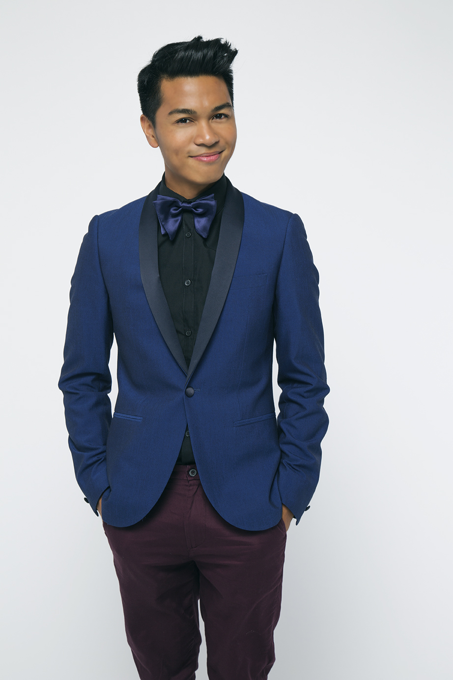 Name: VJ Rosales Birthdate: June 1987 Favorite Food: Pepperoni Pizza Parents Originally From: Bataan & Cavite VJ is a young aspiring musician with a degree in music from Cal State, Long Beach. Before The #SingOff , VJ was a contestant on Season 3 of NBC's The Voice. When VJ isn't singing one of his favorite things to do is chill out and watch his favorite show, Friends. Born and raised in Los Angeles, CA.  He started singing at the age of 3.  Vj currently performs all over the greater Los Angeles area as a freelance musician and singer/songwriter.  He teaches voice and piano at the renowned Silverlake Conservatory of Music, owned by the Red Hot Chili Peppers.