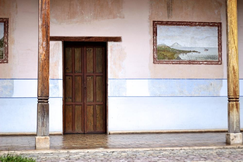 La casa Galeano,construida en 1840 con el estilo neoclásico,