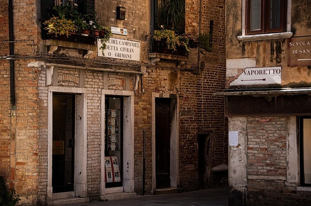 A Venice Alley