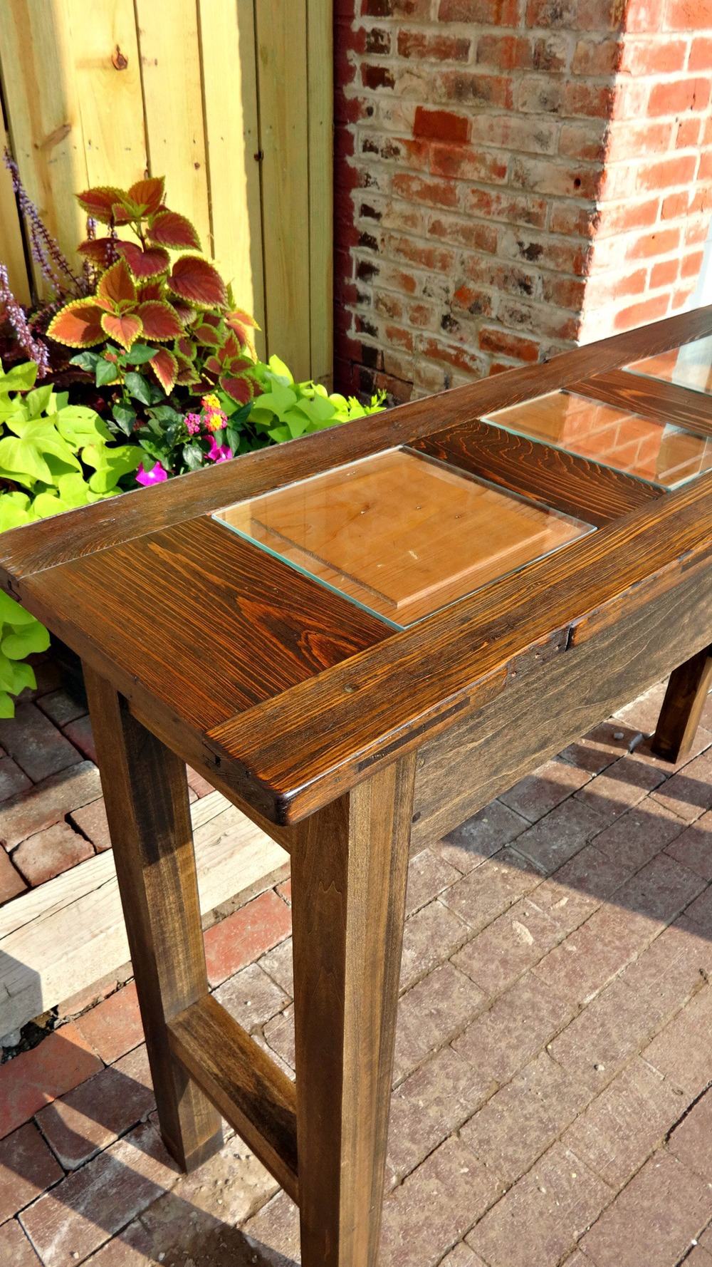 Berra Bar Table 3.jpg