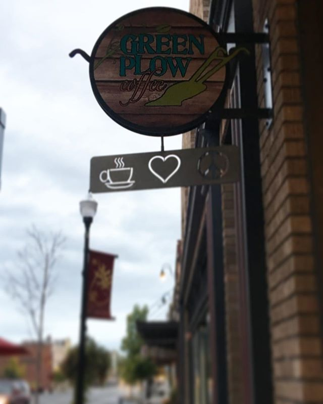 Fall is in full swing at the Plow! Stop in and try one of our delicious fall beverages to warm up on this chilly morning! ☕️ ✌️ ❤️