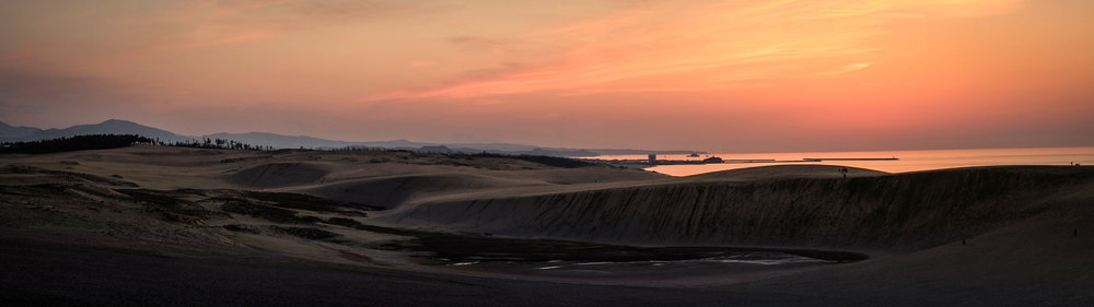 The sunset of the Tottori desert dunes. (In camera panorama)