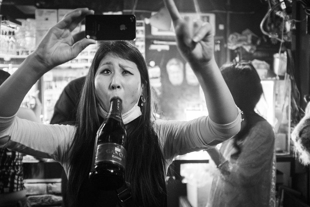 Momenti rubati in un locale con la mia Fujifilm X100s
