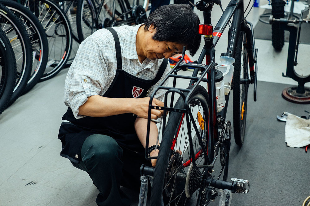 Our Tricross getting a last fix at Ono Cycle Sapporo