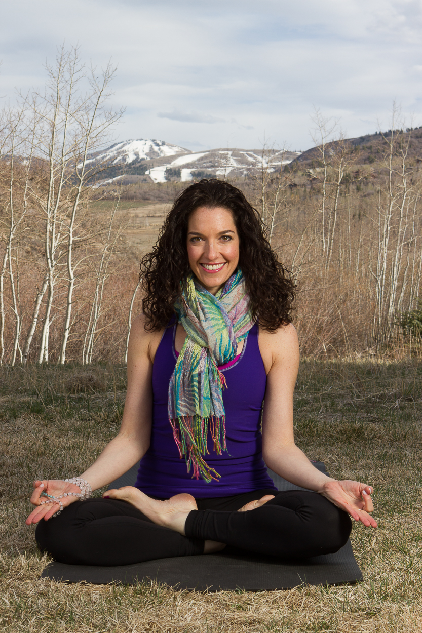About Lizzi Cutler - Chicago Yoga Instructor, Artist and Jewelry Maker
