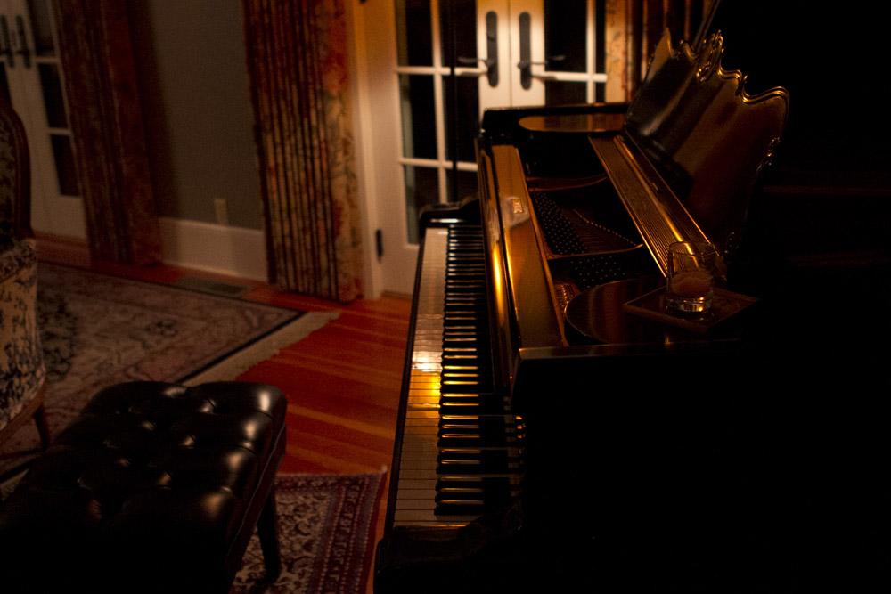 NAPA PIANO SEXY DARK MOODY.jpg