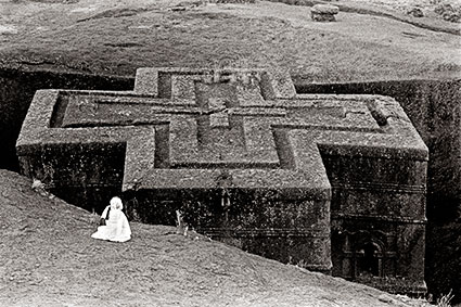 Prayer, Church of St George, Lalibela-Ethiopia (EA-01).jpg