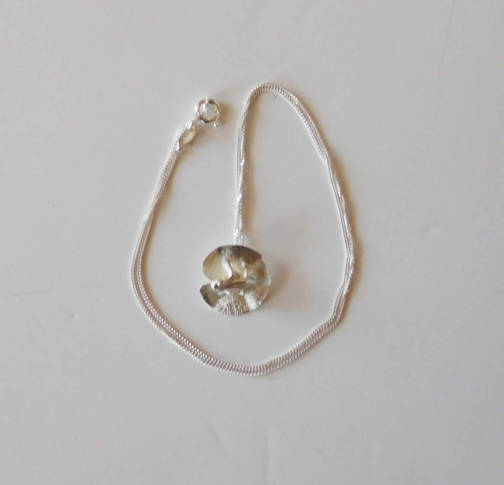 Barbel-Gamsu---Frog-on-Lilypad-Small-Necklace-(3).jpg