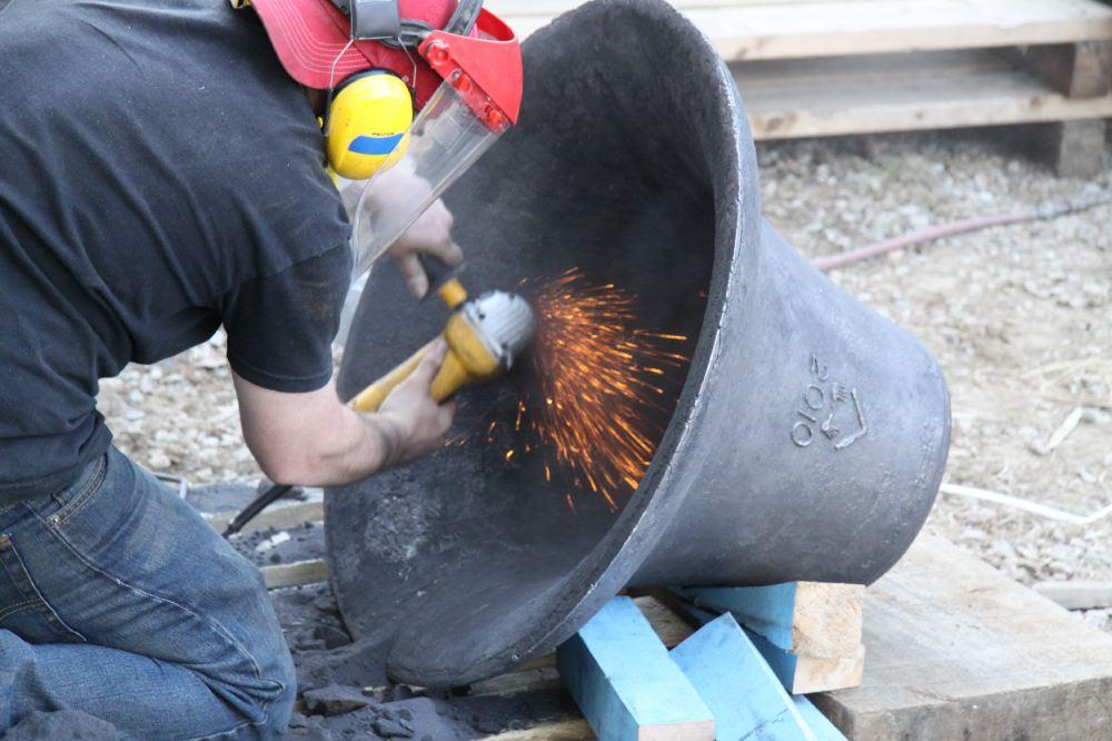 20 Polishing bell.JPG