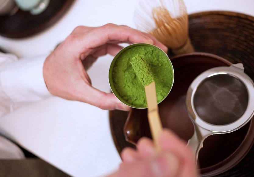 To brew a cup, scoop 1½ ladlefuls (about 2 grams, or 1½ teaspoons) matcha powder into your strainer.