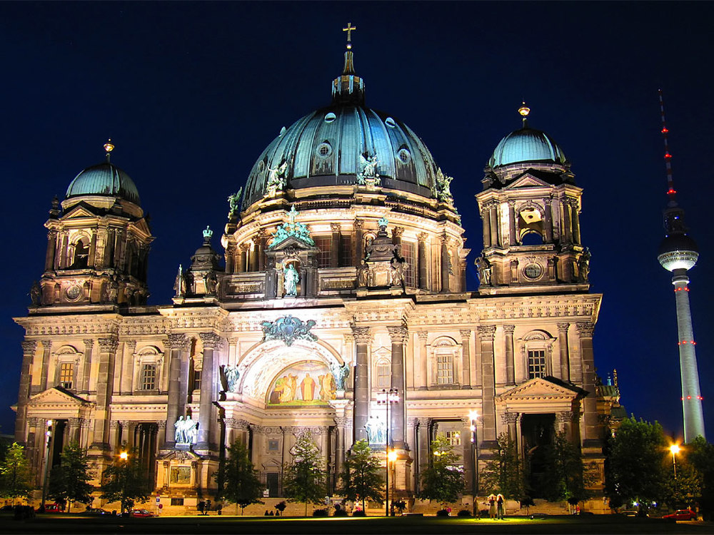 The Berliner Dom, location of the Paradise Lost Opera Electronica composed and conducted by Eric Whitacre, ENTIRELY from his Apple laptop.
