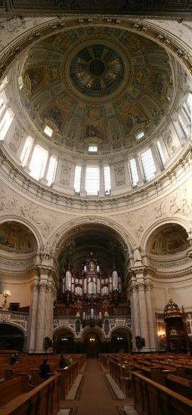 The interior of the Berliner Dom.