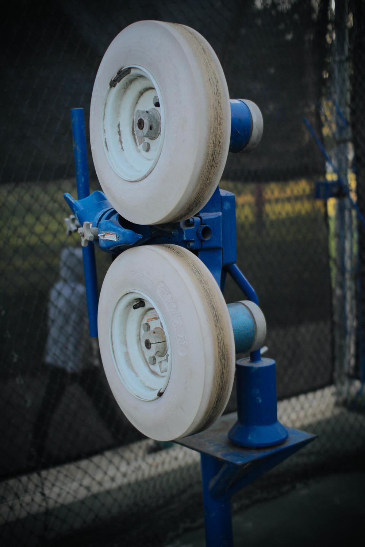 Curveball/Cricket Machine