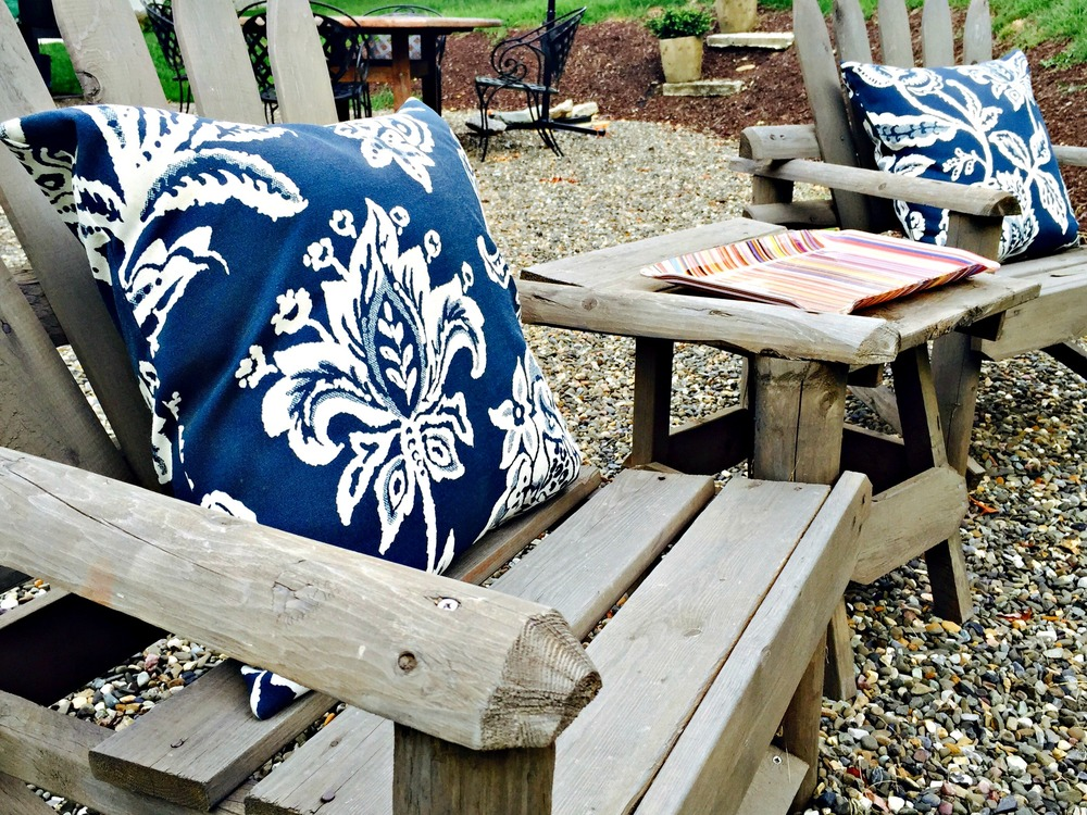 how-to-stain-outdoor-furniture