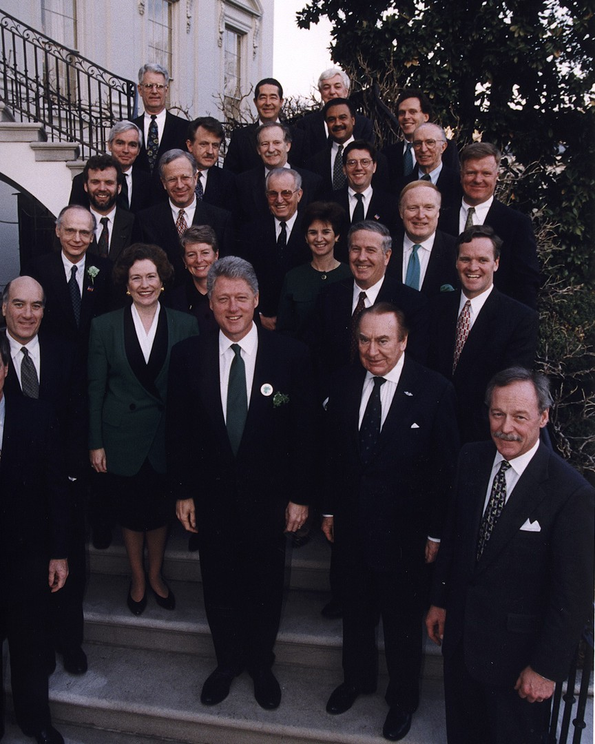 Photo 6 GROUP_PIC_WITH_BILL_CLINTON.jpg