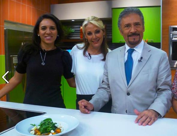 Oficialmente Health Coach de cabecera del programa Cocinemos juntos con Many Muñoz en Cadena tres de Grupo Imagen. El tema fue las 5 principales causas de los antojos.