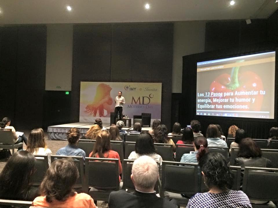 Participando de nuevo en Mother's Day organizando por Ana Paula Domínguez en DF, México. 2015