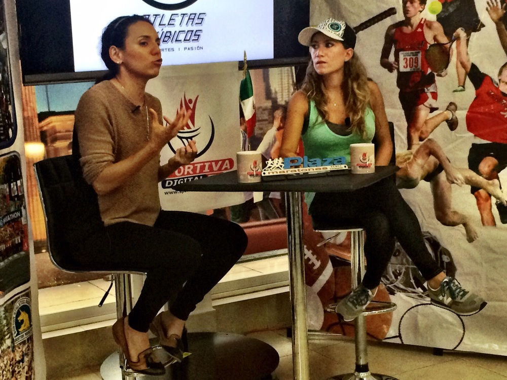 Participando en el programa de mi amiga y colega triatleta Paty Yrys llamado Atletas Cúbicos. DF, México. 2015