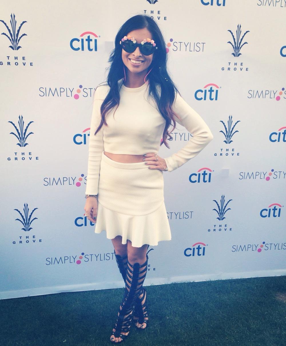 simplystylist_whiteonwhite_outfit_gladiatorheels