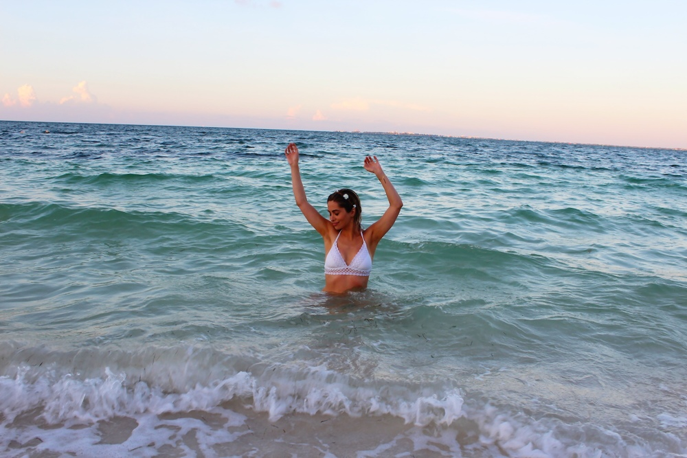 becca swimwear_resort wear_savvy javvy_fashion blogger_cancun_playa mujeres_what to wear in cancun_beach vacation_travel tips_travel blogger_excellence resort