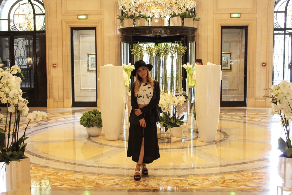 The ever so luxurious lobby of the Four Seasons George V Paris. I highly suggest this hotel if you are looking for a 5 star experience! The flowers in the lobby are absolutely stunning!