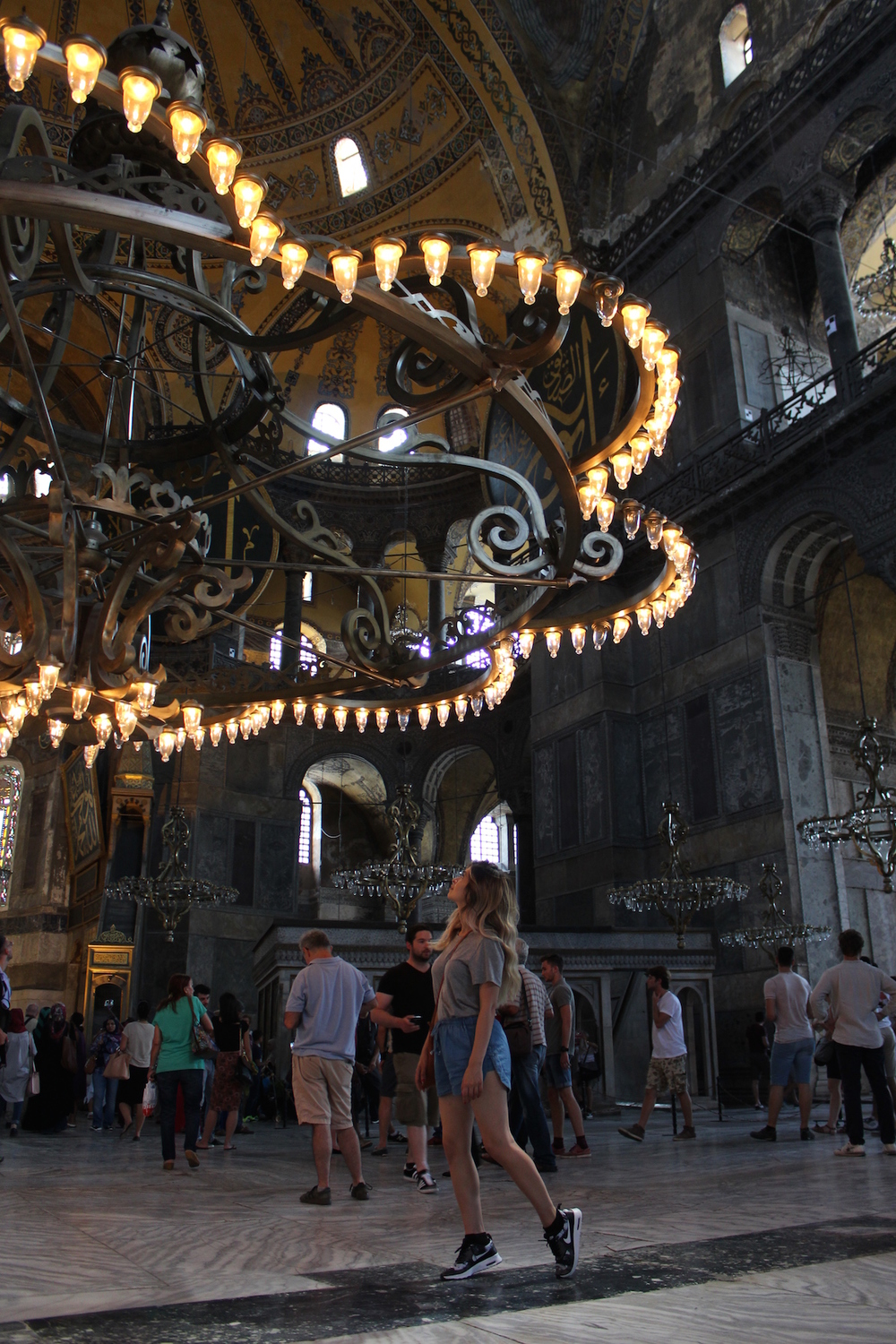 istanbul_istanbul travel guide_travel to istanbul_old city_blue mosque_sightseeing in istandbul_cistern_hagia sophia_fashion blogger_turkish fashion blogger_travel blogger_travel_turkish street style_bazaar in istanbul_best place to eat in istanbul_best restaurant in istanbul_best kabob in istanbul_best club in istanbul_reina_cesme_izmir_bebek_chilai_ortakoy