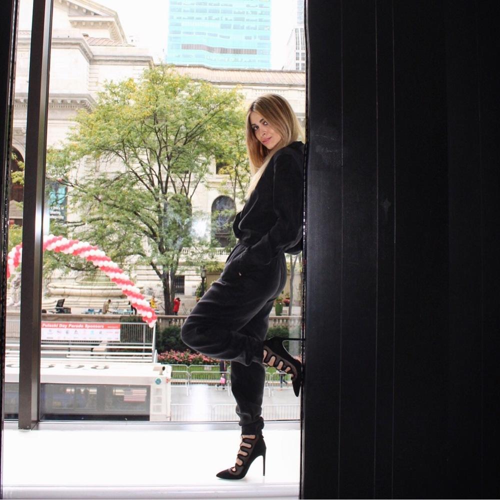 new york city_fashion blogger_ny fashion blogger_ny street style_nyfw_celine bag_savvy javvy_celine sunglasses_balayage hair_michael stars_zara_andaz nyc