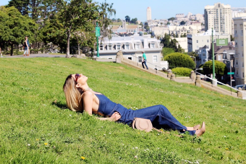 painted ladies_sf_things to see in SF_sightseeing in SF_san francisco travel guide_sf blogger_sf travel_travel to sf_tobi_denim jumpsuit_denim_denim on denim_chloe_chloe girls_chloe marcie bag_savvy javvy_sf parks_best parks in san francisco
