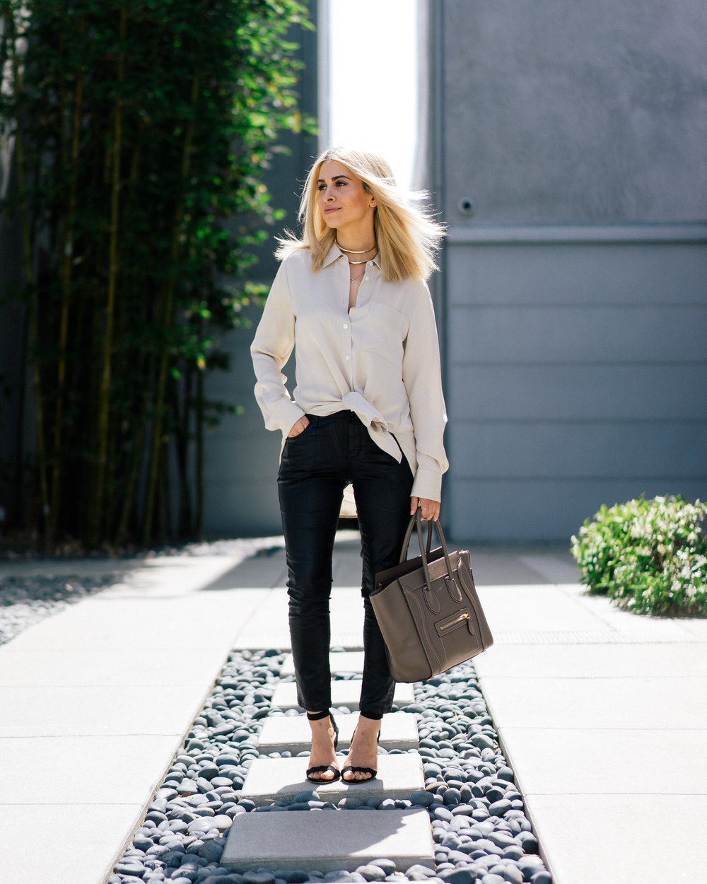 theory_silk shirt_leather pants_loeffler randall wedges_savvy javvy_newport beach_la blogger_oc blogger_oc woman_orange county woman_beach_nyc_street style_tien photographer_icy blonde hair_lob