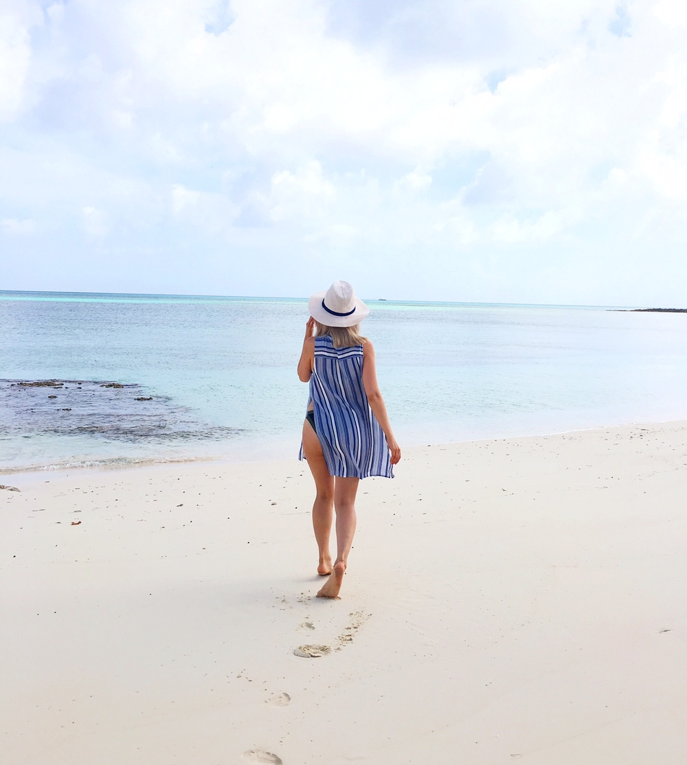 nassau_bahamas_what to do in the bahamas_hotel in bahamas_travel blogger_travel to bahamas_savvy javvy_bahamas travel guide_fashion blogger_international street style_resort wear_l space bikini_striped top_beach vacations_women on beach_girl on beach_kut from the cloth_cute bikinis 2016_atlantis hotel_atlantis bahamas_private beach_yacht_renting a yacht_woman on yacht