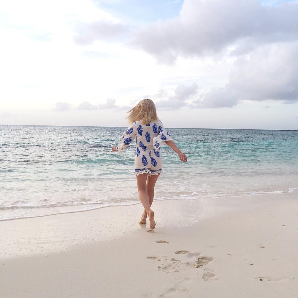 nassau_bahamas_what to do in the bahamas_hotel in bahamas_travel blogger_travel to bahamas_savvy javvy_bahamas travel guide_fashion blogger_international street style_resort wear_l space bikini_striped top_beach vacations_women on beach_girl on beach_kut from the cloth_cute bikinis 2016_atlantis hotel_atlantis bahamas_private beach_yacht_renting a yacht_woman on yacht