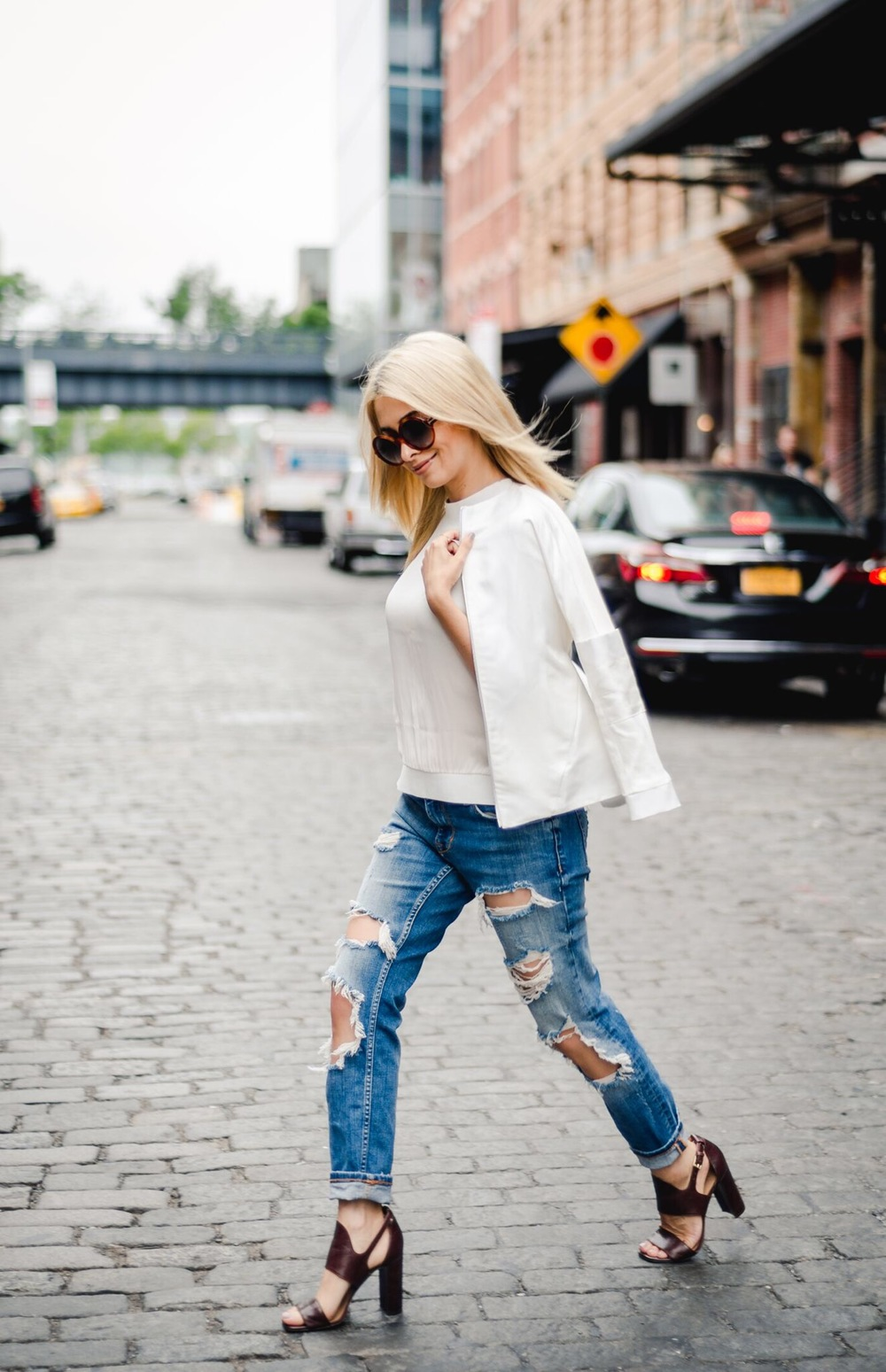 distressed jeans_banana republic shoes_phillip lim top_jonathan simkhai jacket_zara ripped jeans_icy blonde hair_kim kardashian blonde hair_olsen twin hair_meatpacking district_nyc streetstyle_nyc blogger_nyc fashion blogger_best nyc bloggers_savvy javvy_journey with javvy