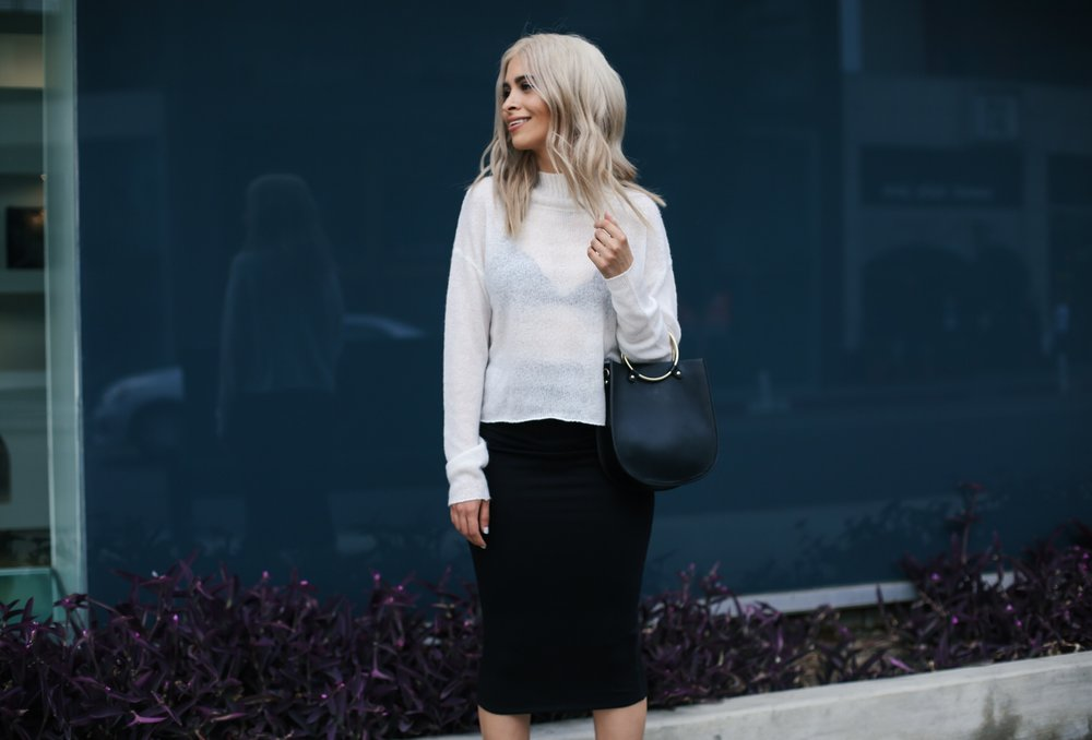 monochrome outfit_savvy javvy_la fashion blogger_la streetstyle_michael stars skirt_kersh clothing top_forever 21 bag_topshop mules_gold mules_holidays outfit inspo_icy blonde hair_blonde lob_la life_ring hardware bag_sheer sweater_ryanbyryanchua