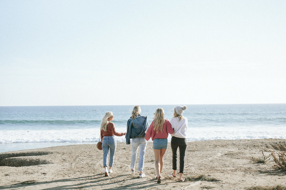 cotton on_california roadtrip_california coastal roadtrip itinerary_blonde girls_blonde bloggers_california girls_malibu_santa monica_bondi harvest_holiday shopping_vintage cadillac_cadillac convertible_squad goals_squad_girl squad_blogger girl groups