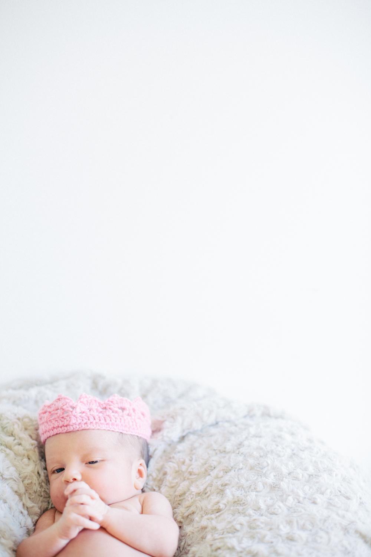 Abigail_Newborn_2015_039.jpg
