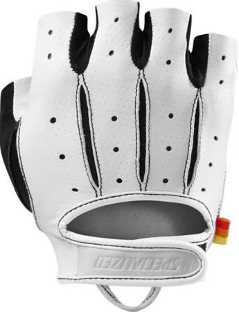 glove white.jpg