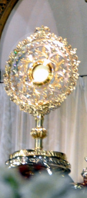 The monstrance at montmartre for which therese sent her bracelet
