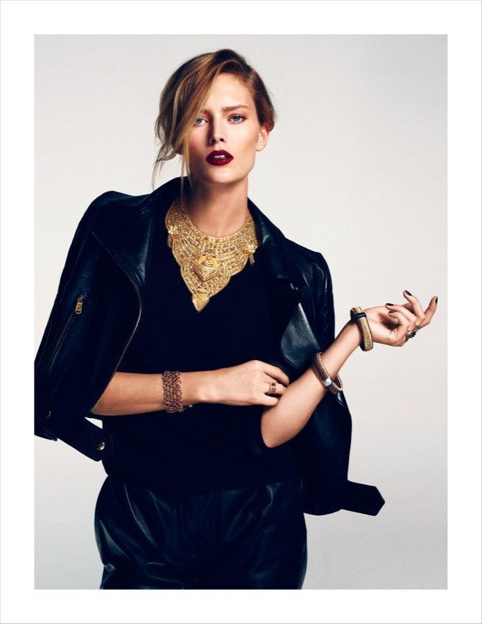 Ando à procura de um bâton assim.   Yves Saint Laurent será a melhor opção?   Imagem: Editorial Vogue Turkey.