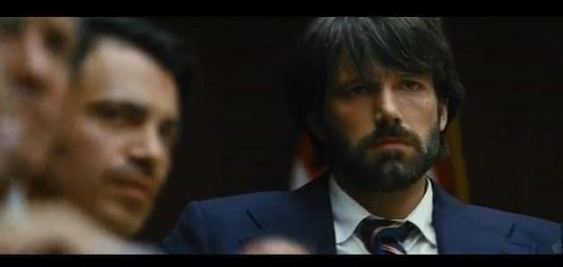 Esta semana fui ao cinema e eis que me aparece o Ben Affleck assim, tão crescido e homenzinho (há quem diga 'pesadote' - não acho nada), à minha frente. Salvo seja. No ecrã, vá. Só para dizer que o adoro ver assim. Barbudo, está bem, mas com aquele ar maduro, seguro, etc e afins que nos (talvez só 'me') cativa. Estás giro Ben. Muito giro.    P.S - A imagem é do trailer do 'Argo'. Brevemente nos cinemas.
