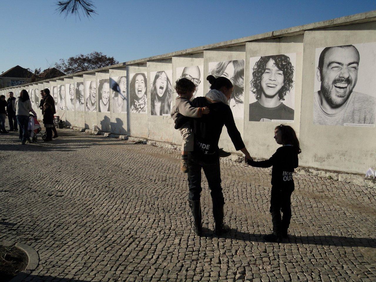 Projeto INSIDE OUT.Já está naAvenida da Índia. Lisboa precisa destes sorrisos. E destas histórias. E de pessoas. Muitas pessoas.
