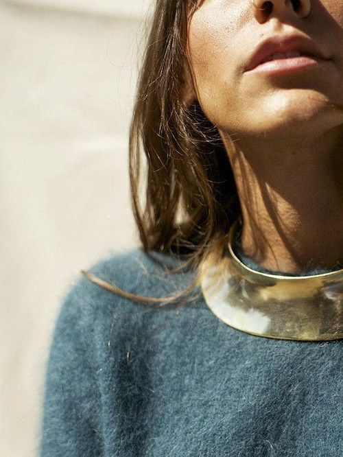 style inspiration: golden necklace