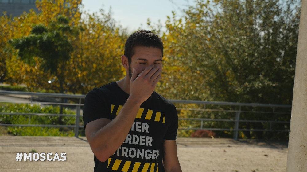 nesta foto, as moscas não largavam o Miguel... contingências da vida e de treinos ao ar livre!